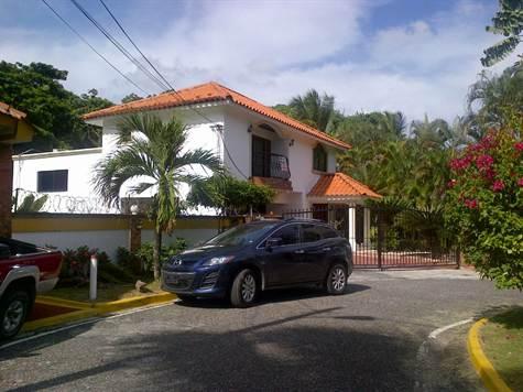 Casas en Venta Altos de Arroyo Hondo III, Distrito Nacional