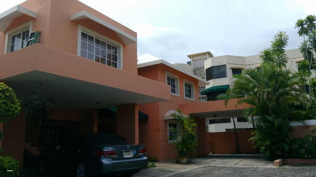 Casas en Venta Villas De Cuesta Hermosa III, Distrito Nacional